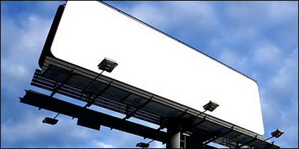 Large gaps in outdoor billboard picture material-3